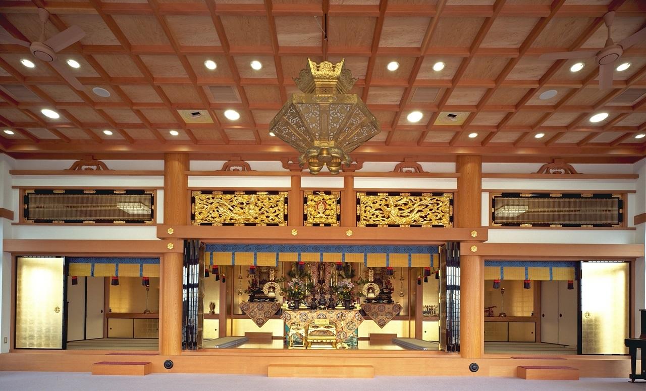 写真:原洞山明福寺本堂増築工事