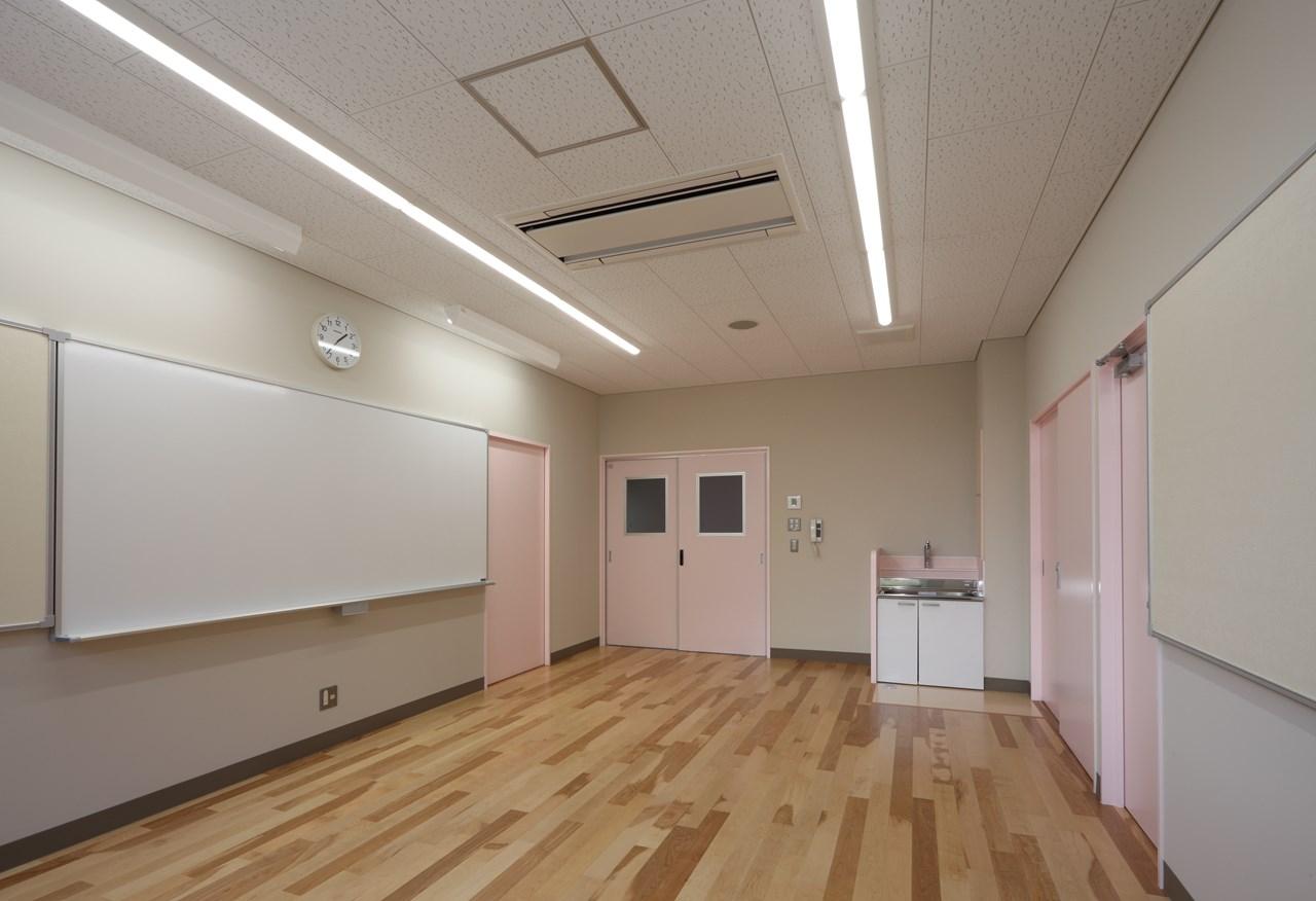 写真:根野小学校既存校舎改修(現八千代小学校)