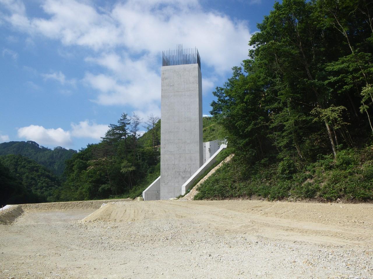 写真:尾道・松江自動車道真金原第二橋下部