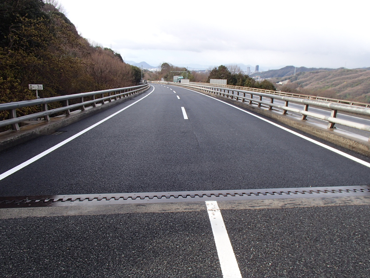 写真:令和元年度 高速1号線舗装修繕工事