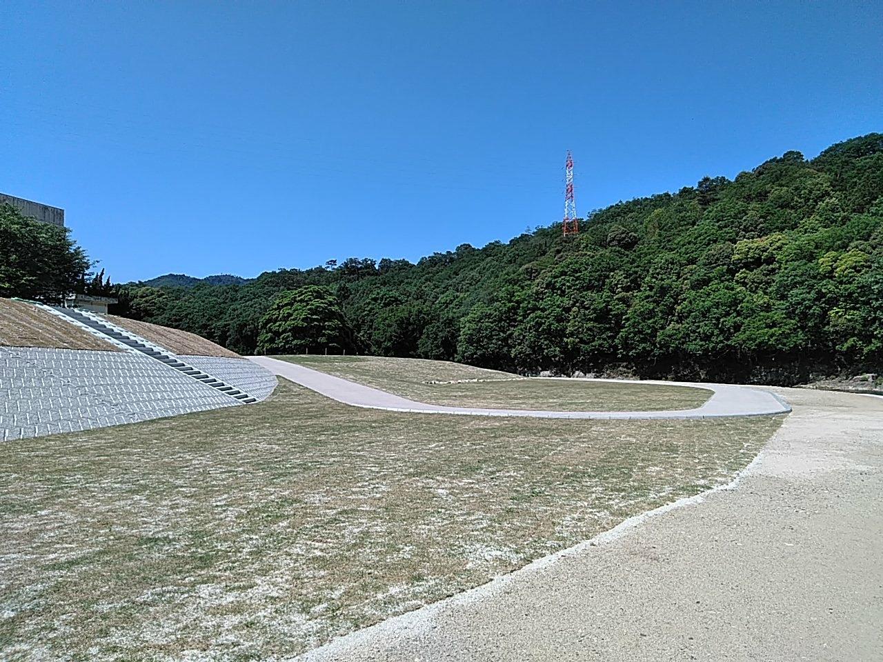 写真:三篠川河道掘削外工事